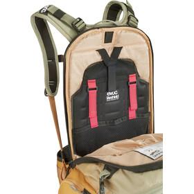 EVOC FR Trail Protector Backpack 20l Damen light olive/loam